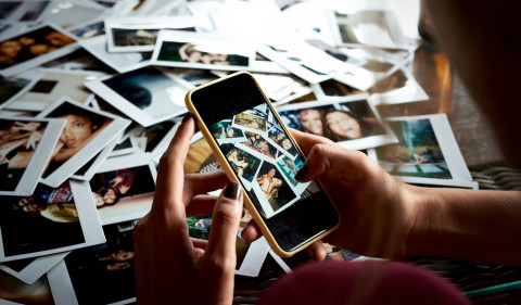 Home for the Holidays: 7 Tips for Scanning Photos on the Go