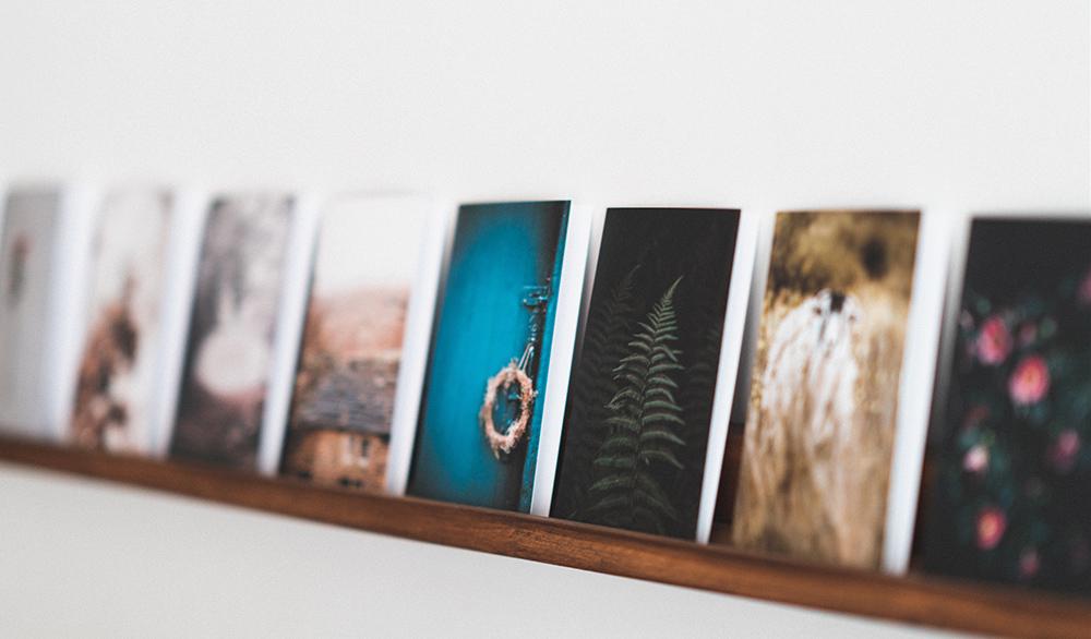 Bedroom Wall Décor Idea: Floating Shelves