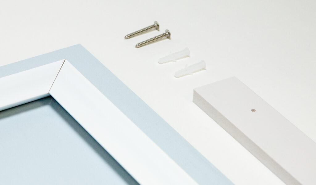 Metal print hanging hardware
