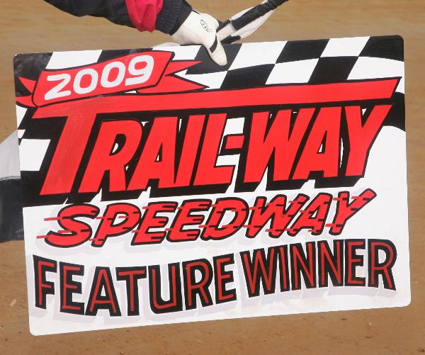 Click to preview Trail-Way Speedway 2009 photo book