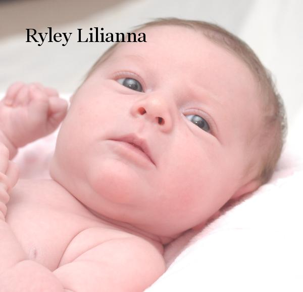 Click to preview Ryley Lilianna photo book